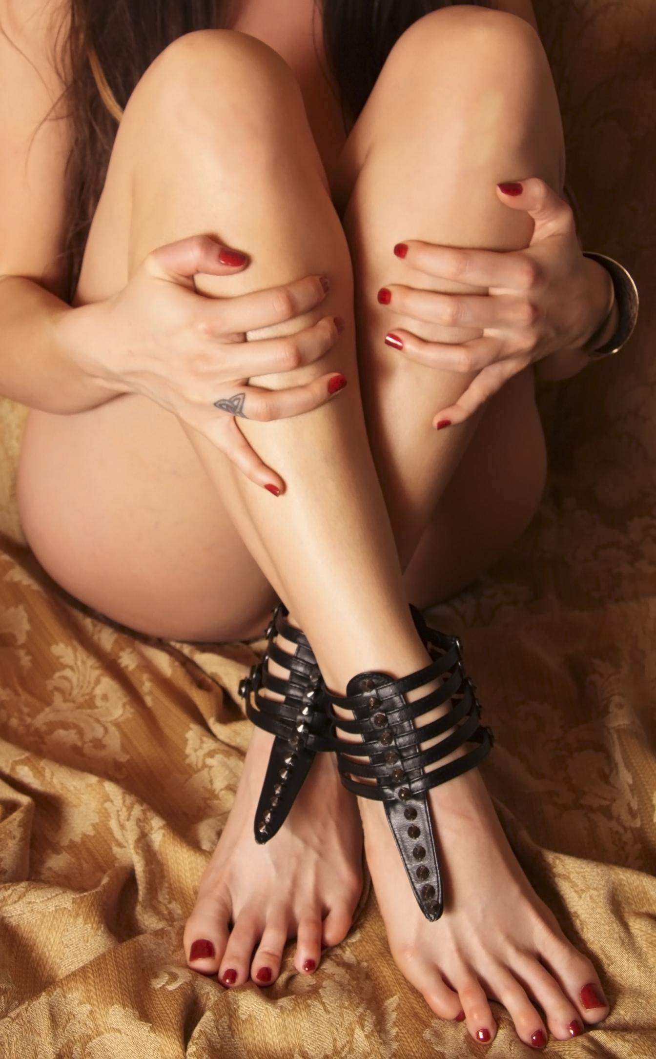 Leigh feet